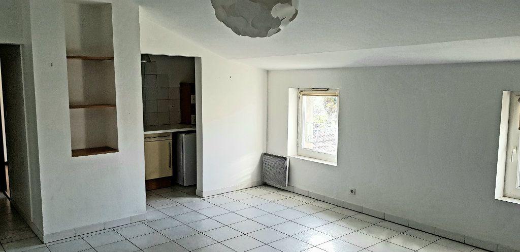 Appartement à louer 2 45m2 à Albi vignette-2