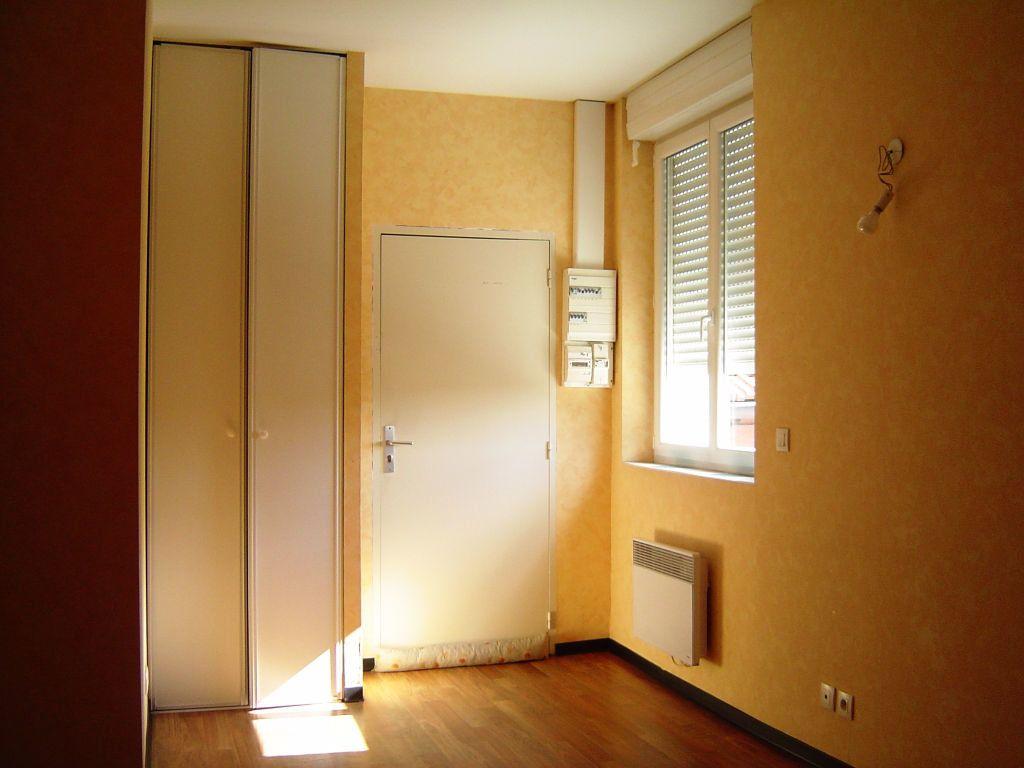 Appartement à louer 1 16m2 à Albi vignette-1