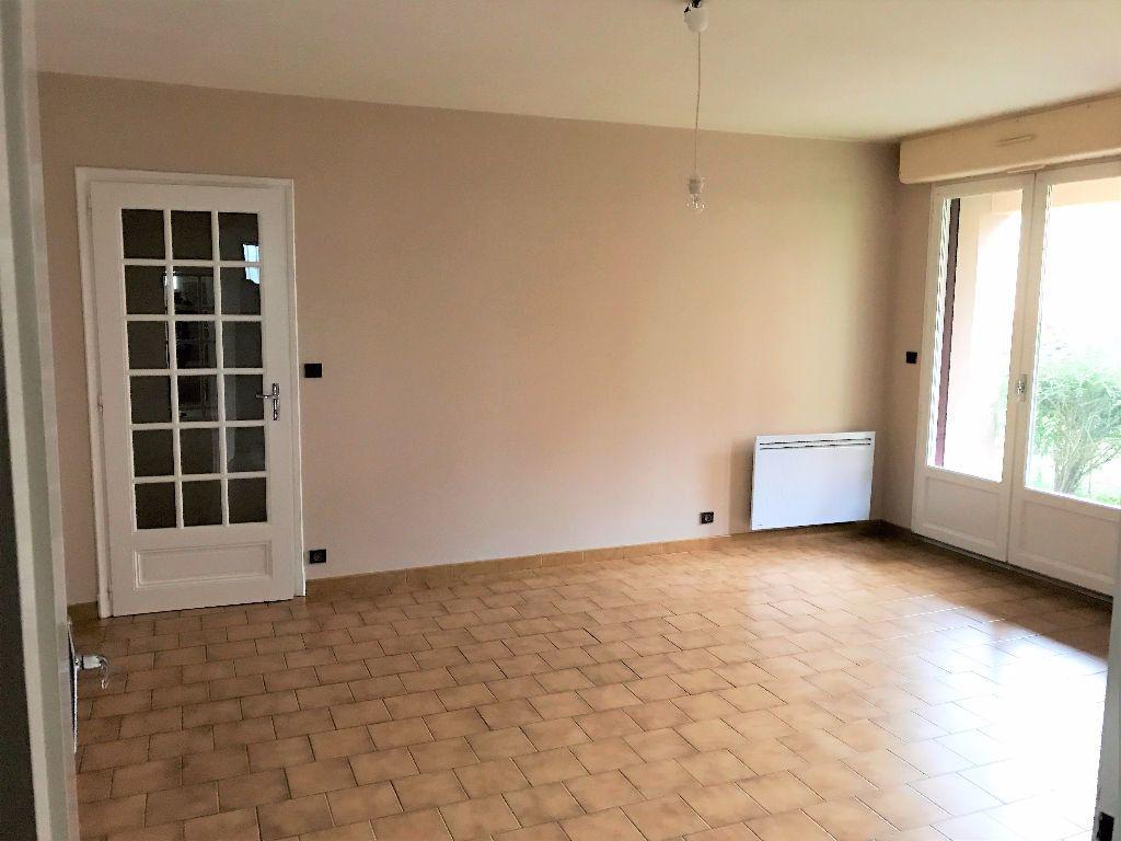 Appartement à louer 2 54m2 à Albi vignette-1