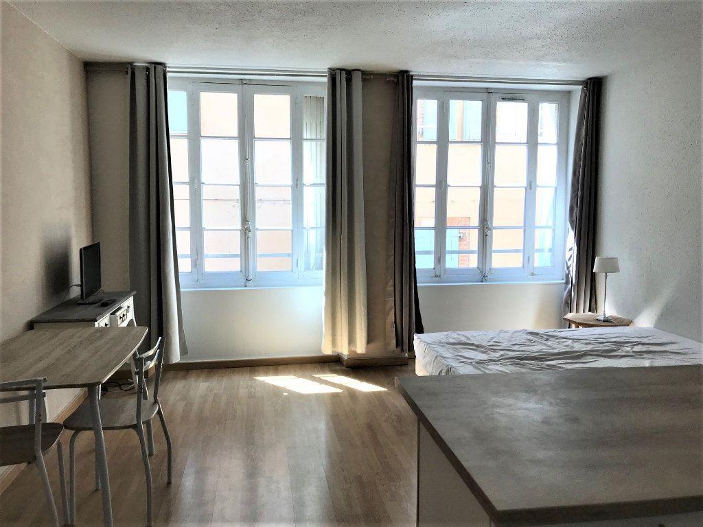 Appartement à louer 1 26m2 à Albi vignette-2