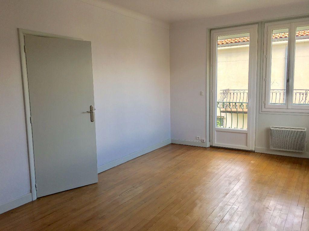 Appartement à louer 2 46m2 à Albi vignette-1