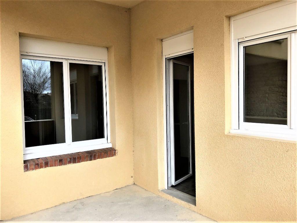 Appartement à louer 1 23m2 à Albi vignette-3