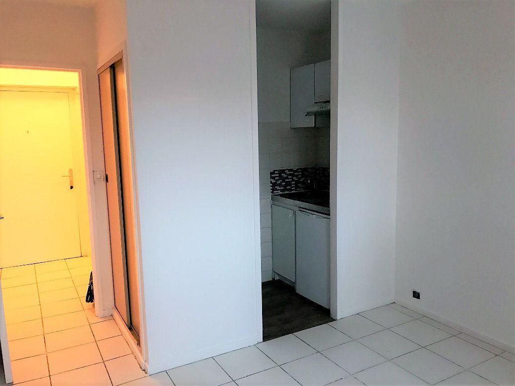 Appartement à louer 1 17.5m2 à Albi vignette-1