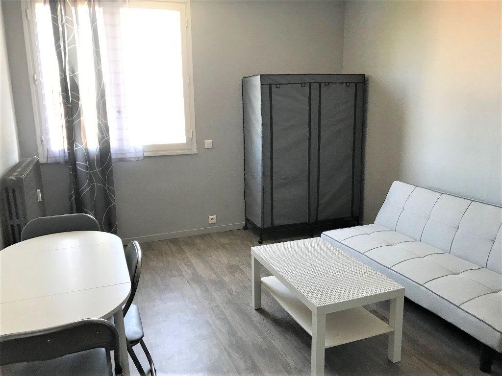 Appartement à louer 1 17m2 à Albi vignette-1