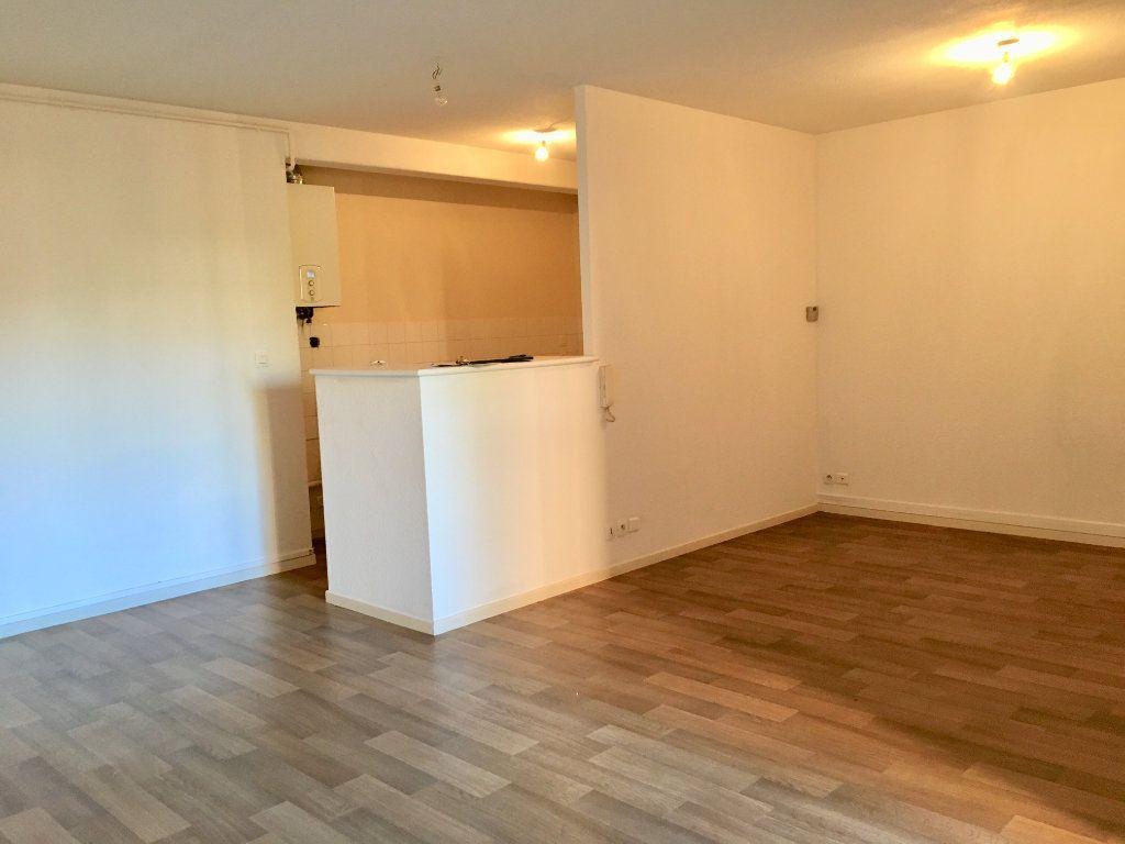 Appartement à louer 3 71m2 à Albi vignette-2