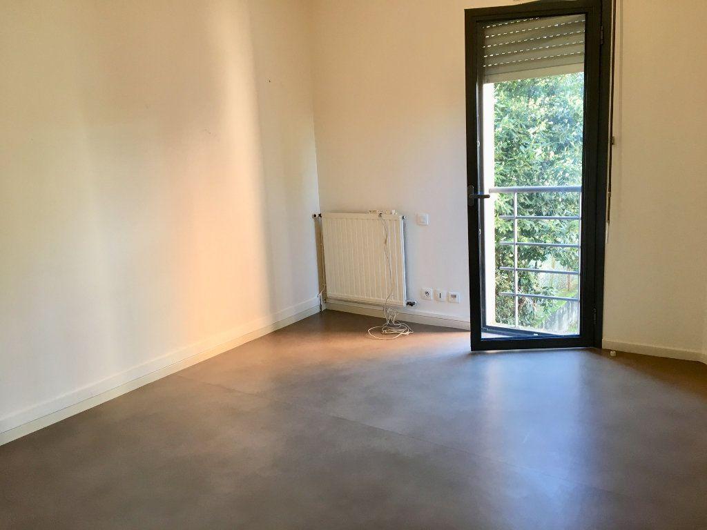 Appartement à louer 3 71m2 à Albi vignette-4