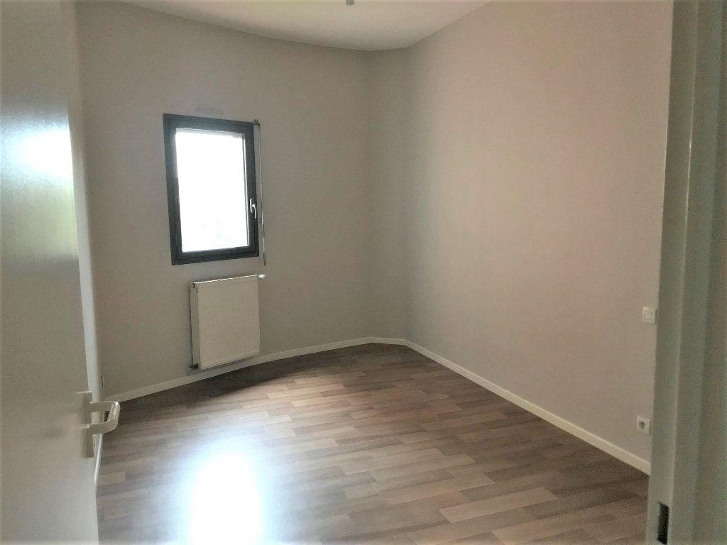 Appartement à louer 3 66m2 à Albi vignette-4