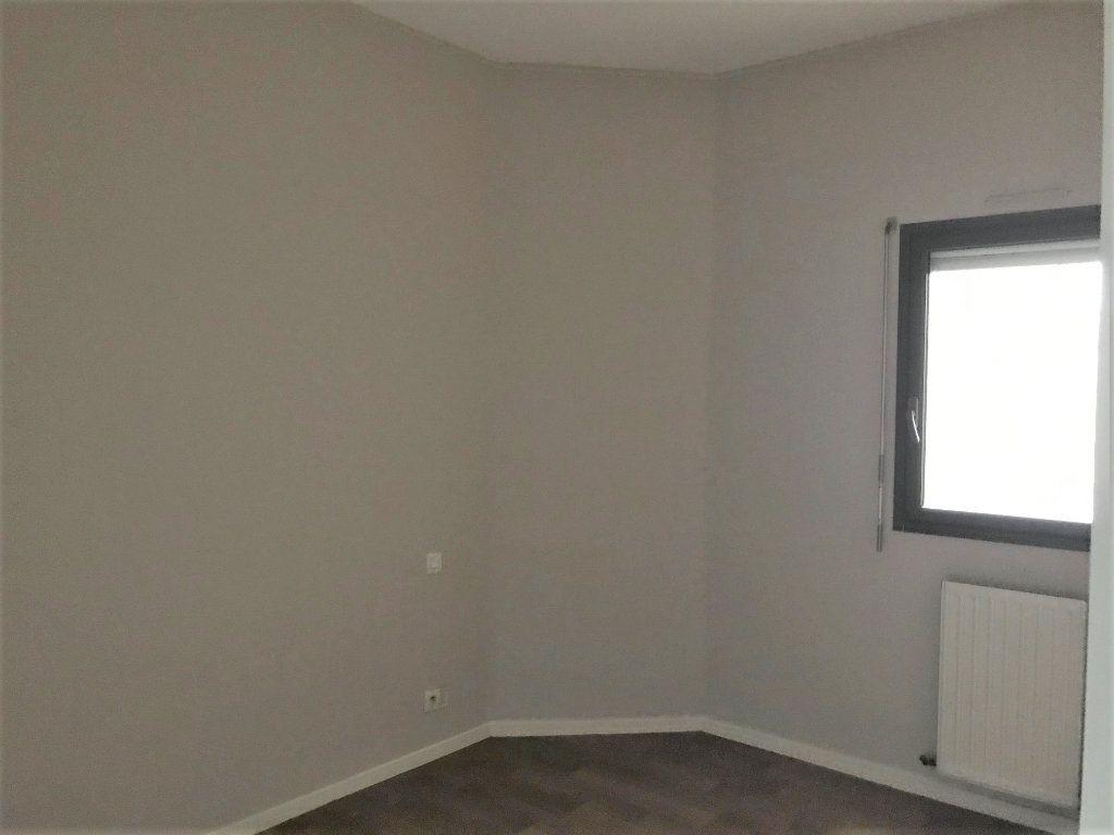 Appartement à louer 3 66m2 à Albi vignette-5