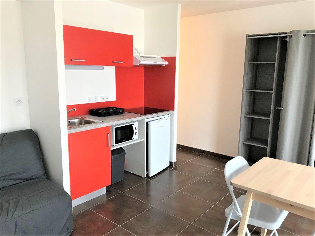 Appartement à louer 1 28m2 à Albi vignette-3