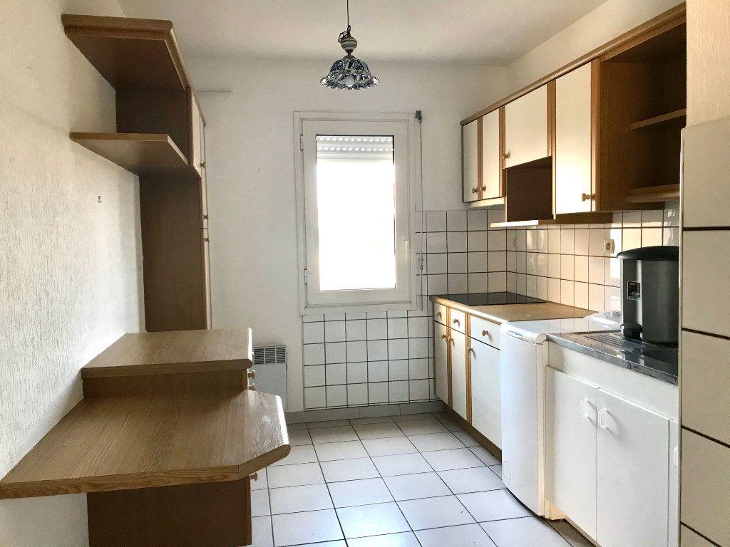 Appartement à louer 3 69m2 à Albi vignette-3
