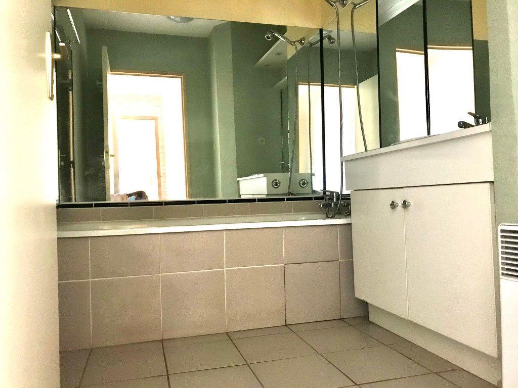 Appartement à louer 3 69m2 à Albi vignette-5