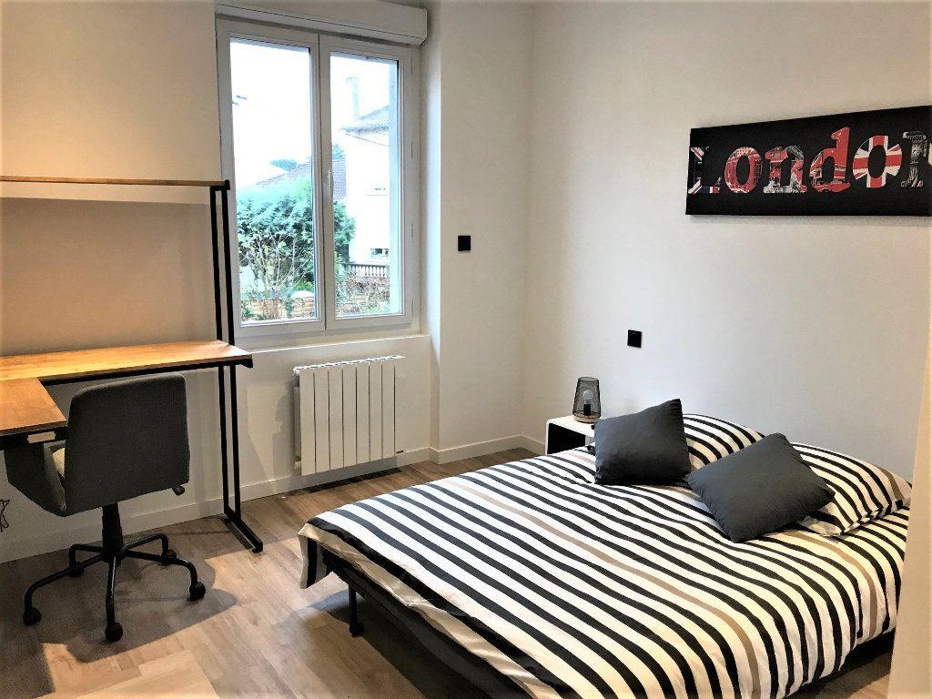 Appartement à louer 2 56m2 à Albi vignette-3