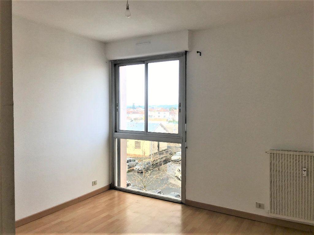 Appartement à louer 2 54m2 à Albi vignette-3
