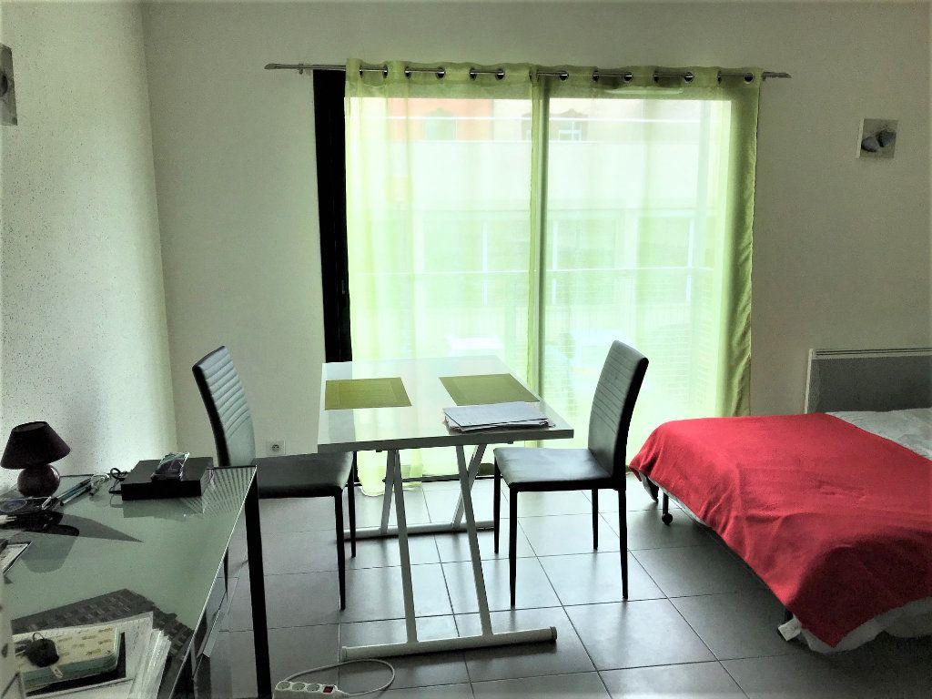 Appartement à louer 1 24m2 à Albi vignette-3