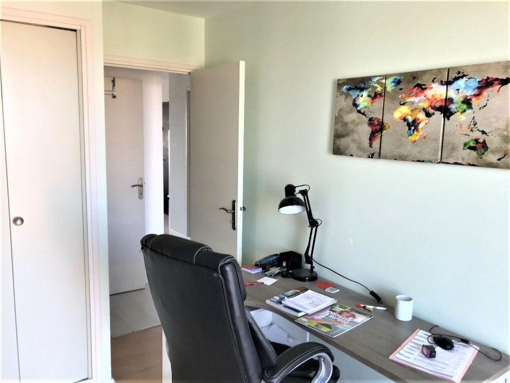 Appartement à louer 3 73m2 à Albi vignette-8