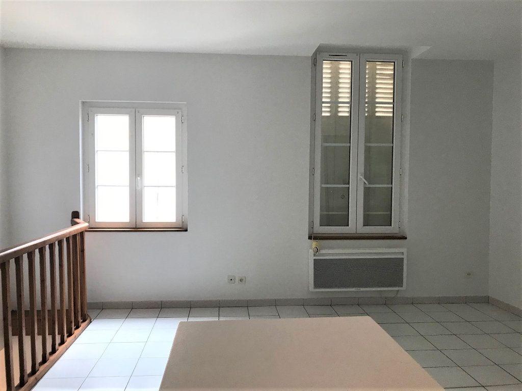Appartement à louer 1 23m2 à Albi vignette-2