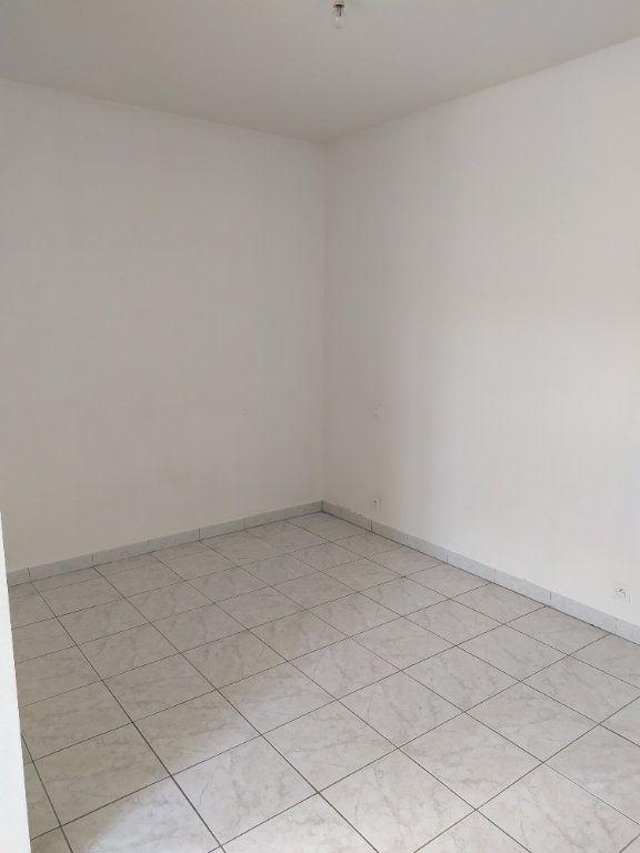 Appartement à louer 1 26m2 à Albi vignette-3