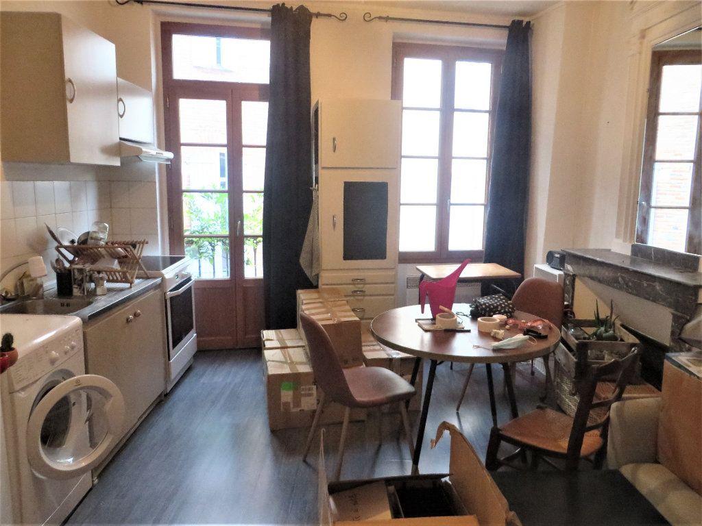 Appartement à louer 2 32m2 à Albi vignette-3