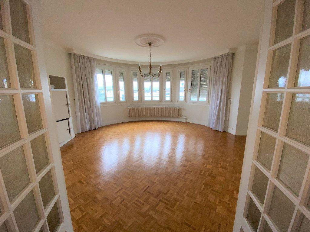 Appartement à louer 5 124.4m2 à Brest vignette-1
