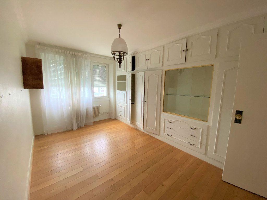 Appartement à louer 5 124.4m2 à Brest vignette-2