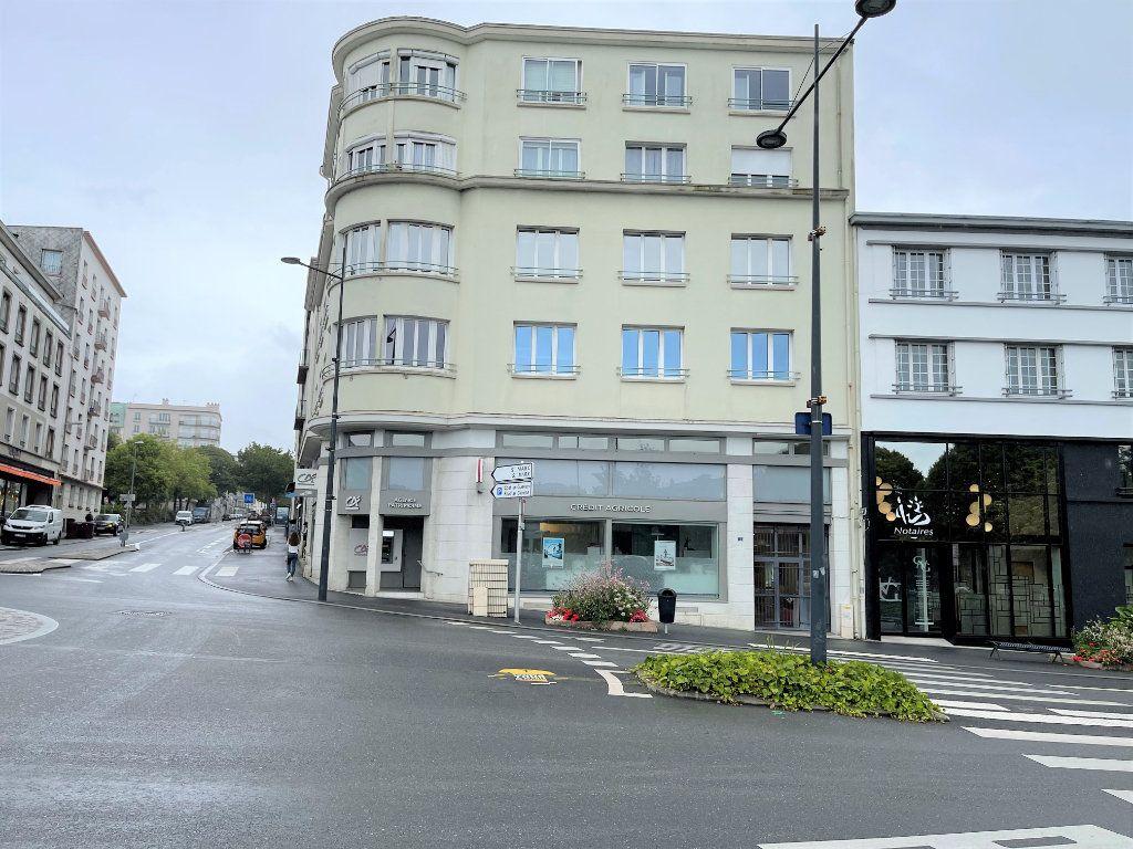 Appartement à louer 5 124.4m2 à Brest vignette-5