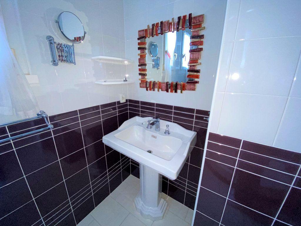 Appartement à louer 5 124.4m2 à Brest vignette-9