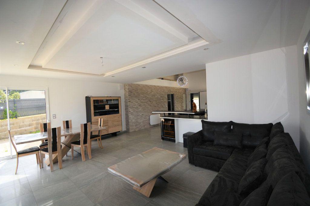 Maison à vendre 4 140m2 à Guipavas vignette-3