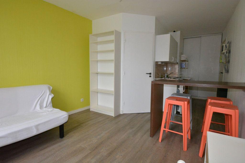 Appartement à louer 1 21.72m2 à Brest vignette-1