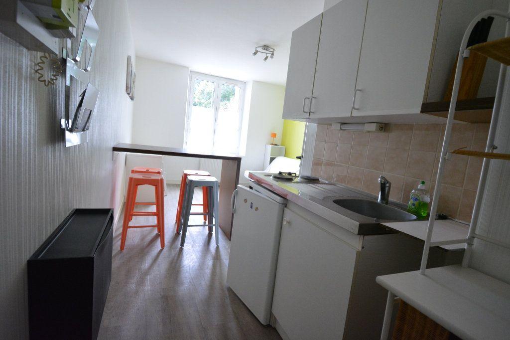 Appartement à louer 1 21.72m2 à Brest vignette-2