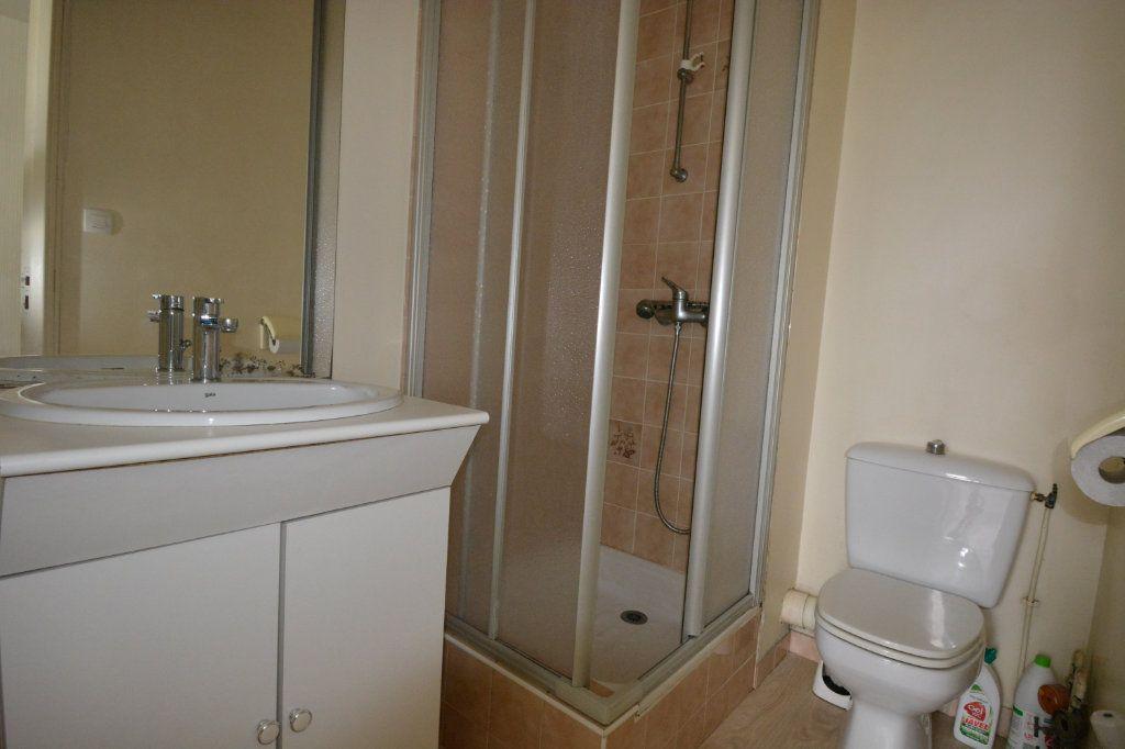 Appartement à louer 1 21.72m2 à Brest vignette-4