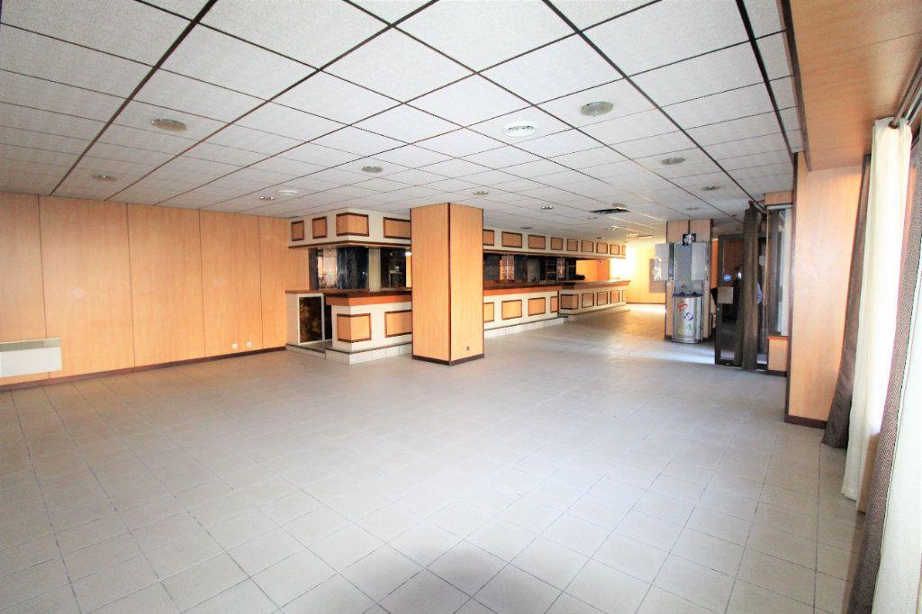 Appartement à vendre 4 213m2 à Brest vignette-1