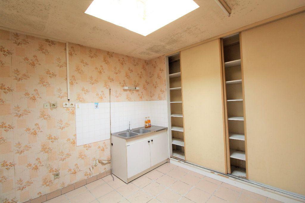 Appartement à vendre 4 213m2 à Brest vignette-2