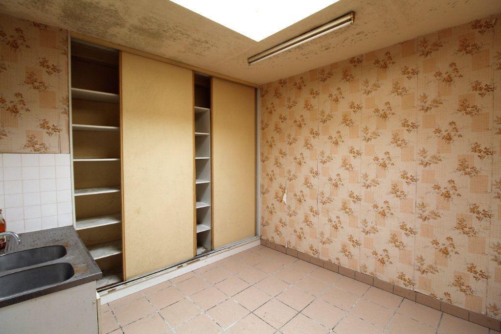 Appartement à vendre 4 213m2 à Brest vignette-3
