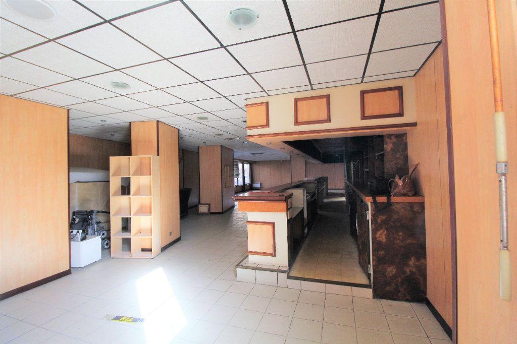 Appartement à vendre 4 213m2 à Brest vignette-4