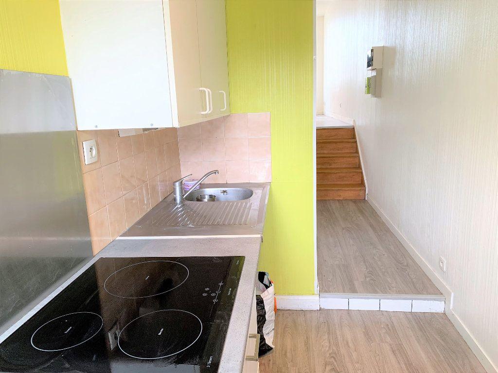 Appartement à louer 2 25m2 à Brest vignette-2