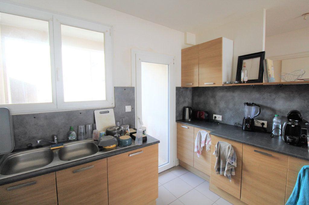 Appartement à vendre 4 73m2 à Brest vignette-3