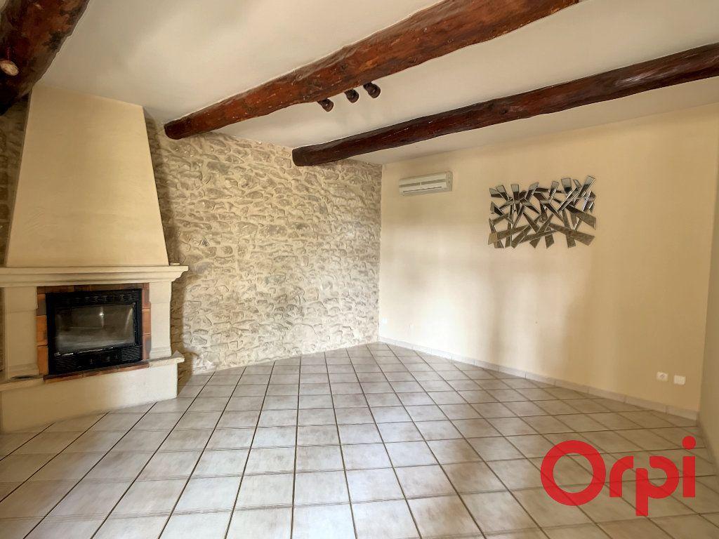 Maison à louer 5 172m2 à Lançon-Provence vignette-2