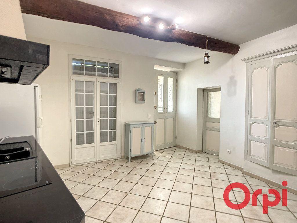 Maison à louer 5 172m2 à Lançon-Provence vignette-5