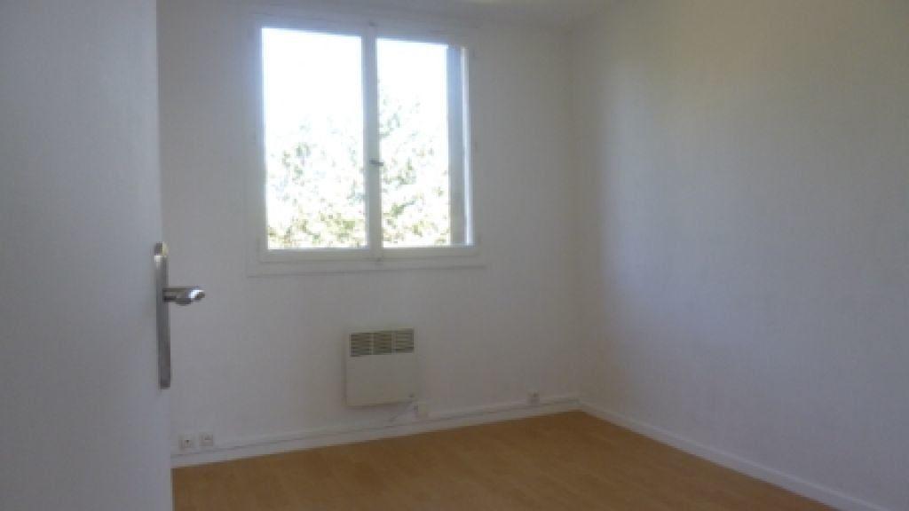 Appartement à louer 4 61.73m2 à Salon-de-Provence vignette-4