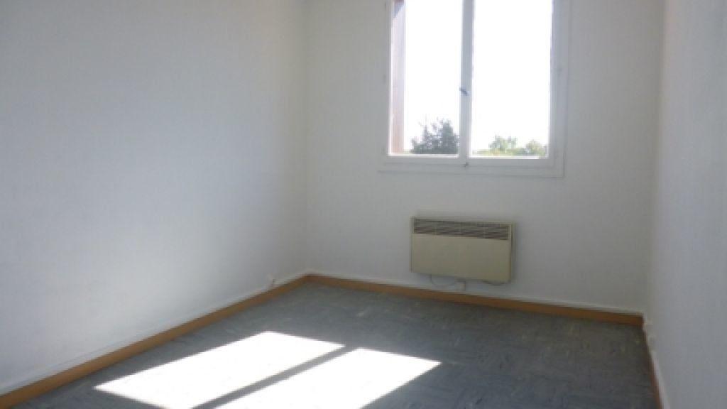 Appartement à louer 4 61.73m2 à Salon-de-Provence vignette-5