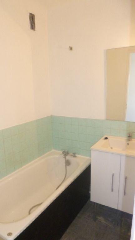 Appartement à louer 4 61.73m2 à Salon-de-Provence vignette-6