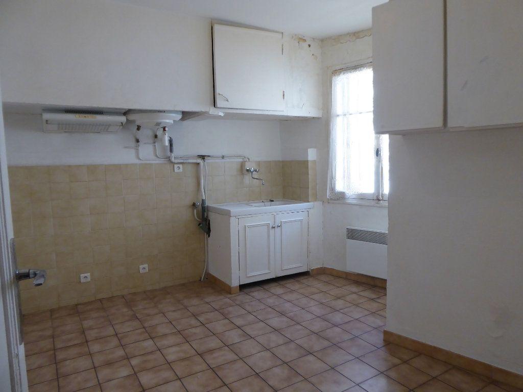 Appartement à louer 1 44m2 à La Fare-les-Oliviers vignette-2