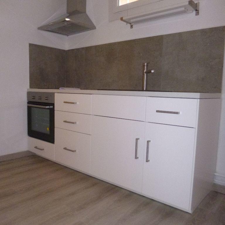 Appartement à louer 3 80m2 à Salon-de-Provence vignette-1