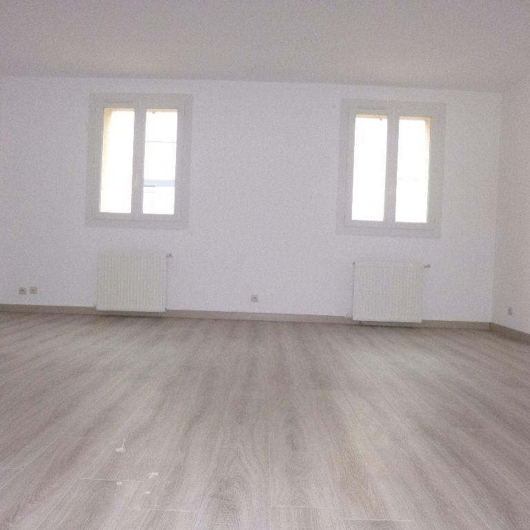 Appartement à louer 3 80m2 à Salon-de-Provence vignette-2