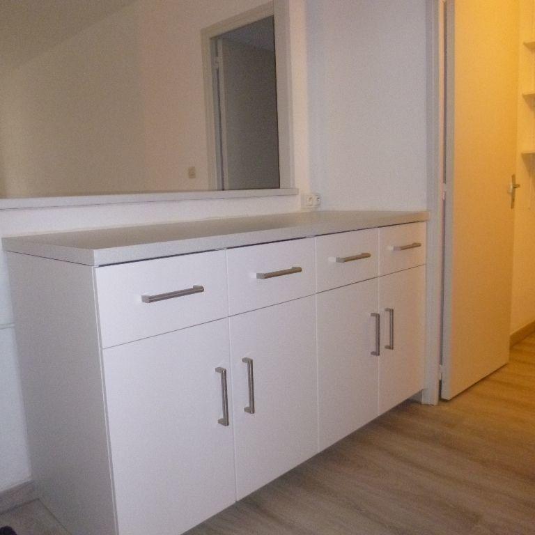 Appartement à louer 3 80m2 à Salon-de-Provence vignette-3