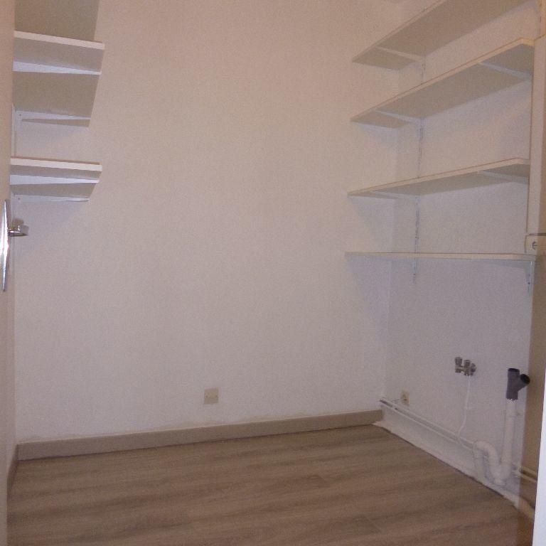Appartement à louer 3 80m2 à Salon-de-Provence vignette-4