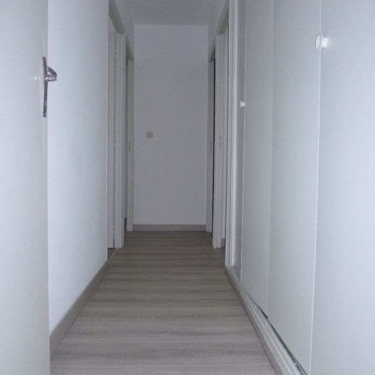 Appartement à louer 3 80m2 à Salon-de-Provence vignette-5