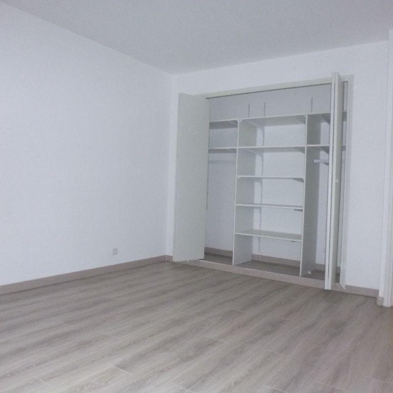 Appartement à louer 3 80m2 à Salon-de-Provence vignette-8