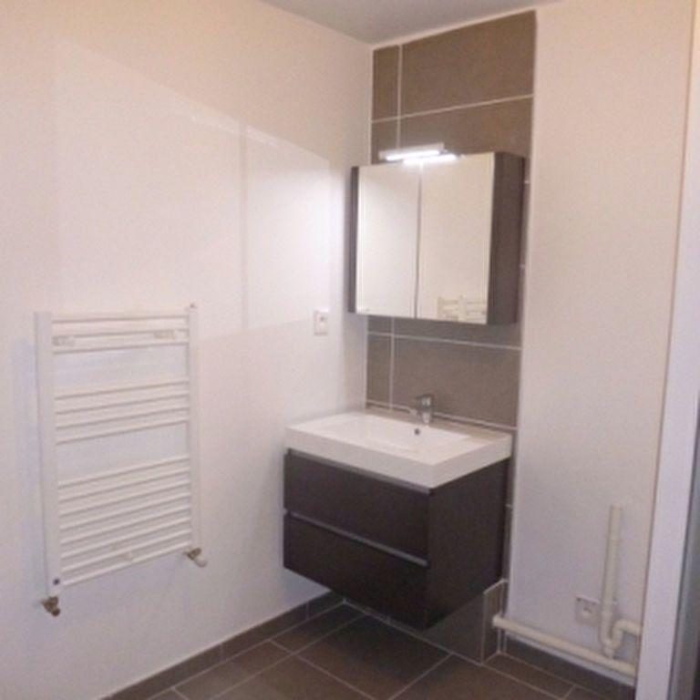 Appartement à louer 2 41.1m2 à Salon-de-Provence vignette-3