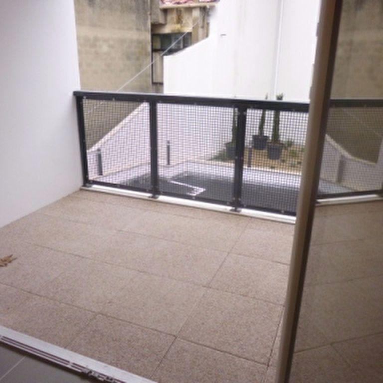 Appartement à louer 2 41.1m2 à Salon-de-Provence vignette-4
